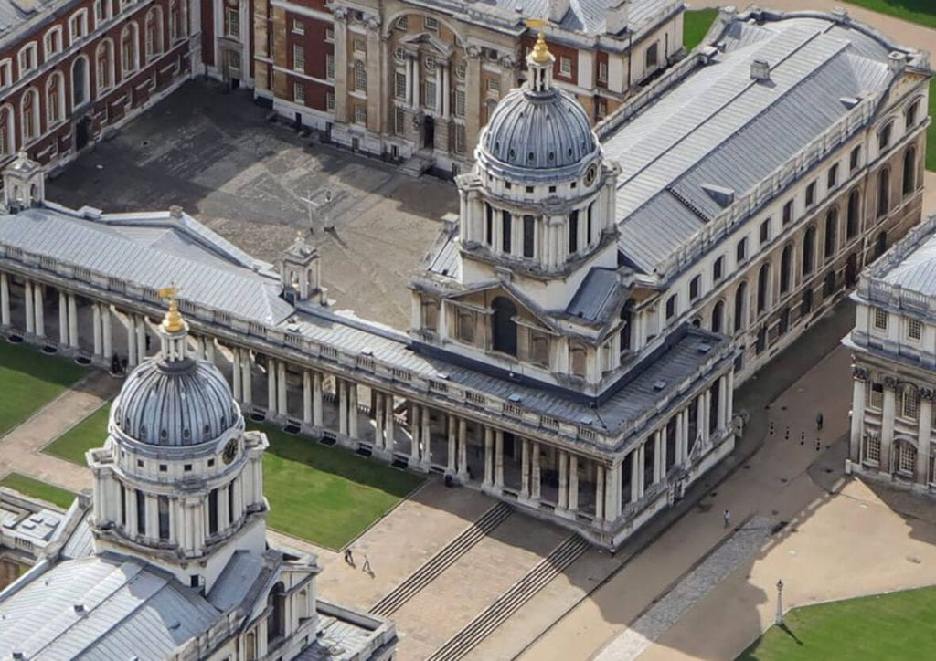 University of Greenwich – elegant signs and feature graphics for a listed building